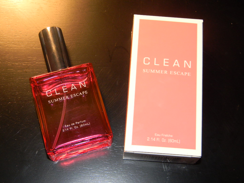 Clean Summer Escape Perfume