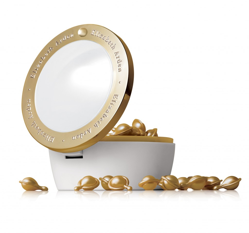 Elizabeth Arden Ceramide Gold Ultra Restorative Capsules for Fact and Throat
