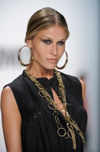 Italian Vogue slave earrings