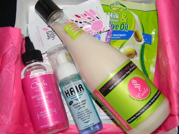 Whats inside the June 2012 CurlBOX