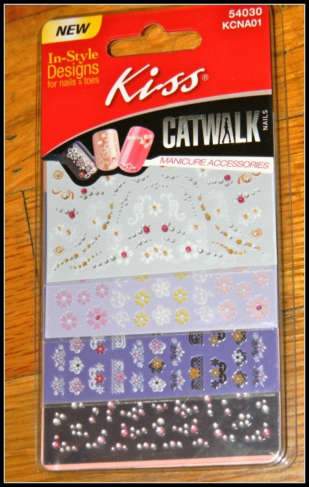 Kiss Catwalk in-style designs for nails and toes