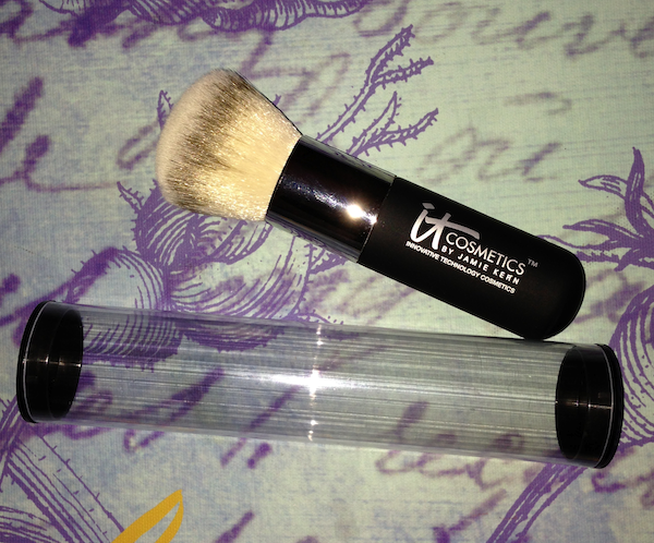 Review: IT Cosmetics Heavenly Luxe Powder Brush